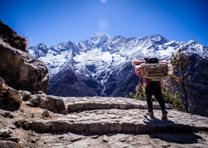 Nepal-mountain-trek