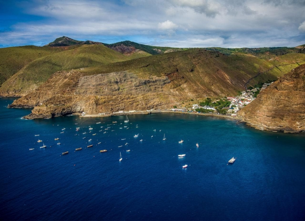 The island of St Helena: 1200 miles from Africa, 1800 miles from South America.
